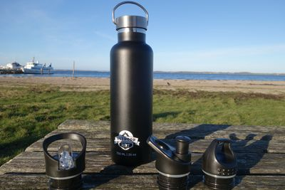 OUTDOOR DEPT Thermotrinkflasche